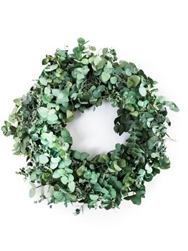 Festive Season: Green and Grand Holiday Wreath