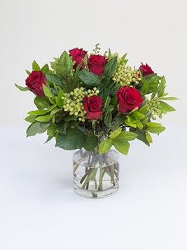 Arrangements: Lovely Red