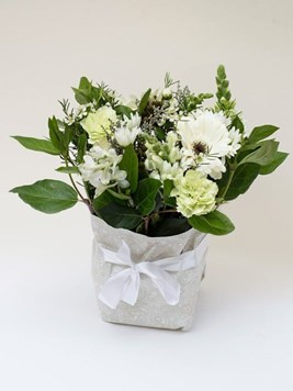 Funeral : Sympathy Posy Option 4 - AV
