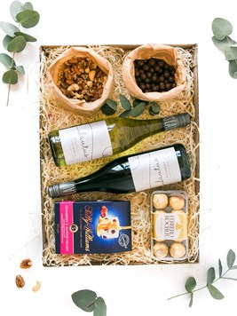 Snack & Gift Hampers: Congrats to the Couple Luxury Box (Non-Alcoholic)
