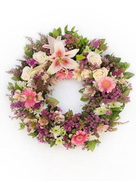 Funeral : Soft Pink Round Wreath AV